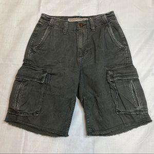 American Eagle Cargo Classic Frayed Shorts 26 S14